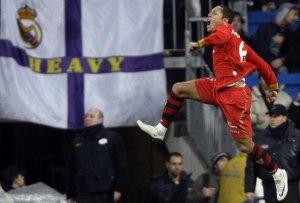 Adriano eufórico tras su gol ante el Madrid