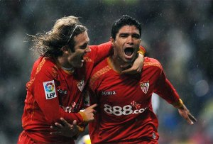 El gol de Renato hundia al Madrid y le dejaba a nueve puntos del Barça